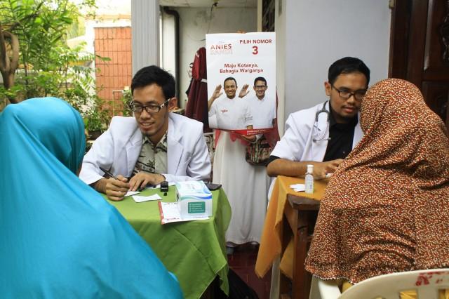 Pemeriksaan kesehatan masyarakat untuk masyarakat di DPRa Cempaka Baru. Muly