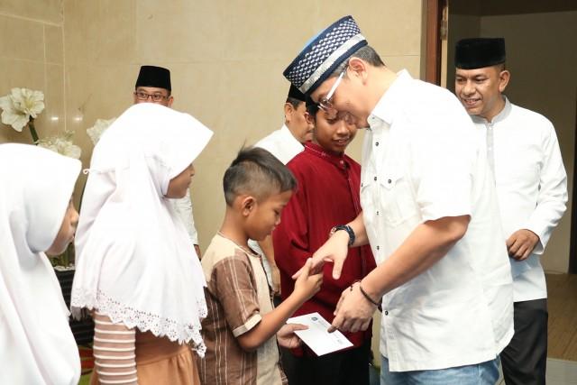 Bukber Bang Sani bersama RT RW Lurah Camat dan Walikota Jaksel_18 Juni 2017_Vivi (11)