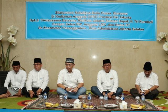 Bukber Bang Sani bersama RT RW Lurah Camat dan Walikota Jaksel_18 Juni 2017_Vivi (4)