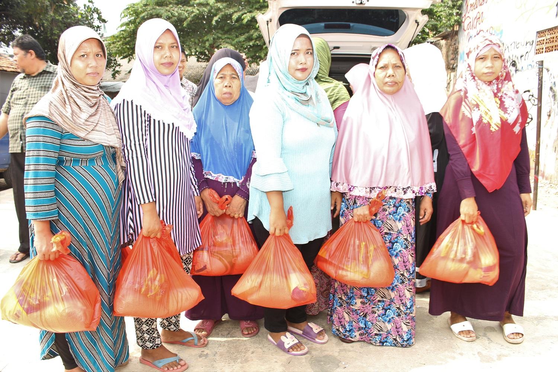 Penyuluhan  Kesehatan Dan Bazar Sembako Murah oleh RKI Kembangan Jakbar_04062017 (16)