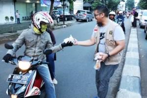 Parade Takjil Gratis Persembahan DPRa PKS Bintaro